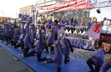 Holiday Parade Dancers